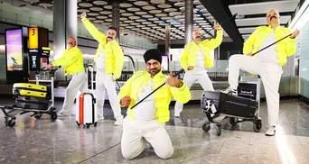 Работники крупнейшего аэропорта Европы по-особому отметили годовщину Фредди Меркьюри: видео
