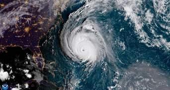 """Из-за урагана """"Флоренс"""" в США отменили 800 рейсов"""