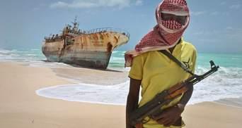 Пірати в Нігерії викрали 12 моряків, серед них і українця