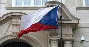 """Посольство Чехии ответило на обвинения в """"предоставлении чешского гражданства"""" закарпатцам"""