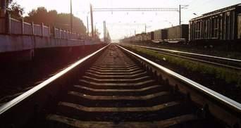 """Через вибухи на Чернігівщині """"Укрзалізниця"""" закрила рух поїздів на трьох перегонах"""