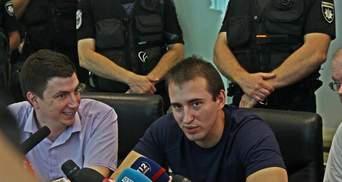 Кто такой Сергей Мазур, в чью квартиру бросили гранату