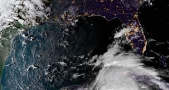 """Ураган """"Майкл"""" у Флориді забрав перше життя: оголошено надзвичайний стан"""