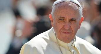Папа Римский лишил сана двух епископов из-за обвинения в педофилии