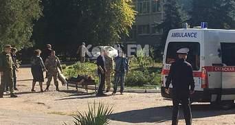 Перед взрывом в колледже в Керчи в окно кто-то бросил бутылку, – очевидцы