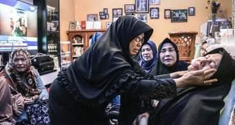 Катастрофа Boeing 737 в Индонезии: близкие погибших прокомментировали трагедию