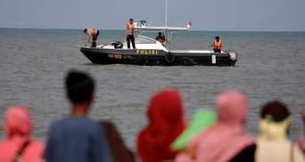 Авіакатастрофа в Індонезії: рятувальники знайшли великі фрагменти літака