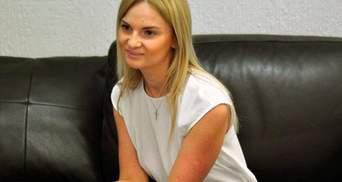 """Из Украины сбежала подозреваемая в хищении денег """"Ощадбанка"""" дочь нардепа Березкина"""