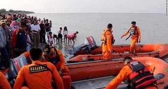 В Індонезії завершився пошук тіл загиблих у катастрофі Boeing 737: перші деталі