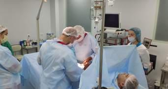 Пораненому під Донецьким аеропортом бійцю рятують руку біотехнологіями