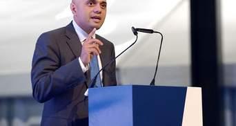 Интерпол должен возглавить представитель страны, уважающей права человека – глава МВД Британии