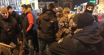 На Майдані спалахнули протести через відкриття фастфуду у Будинку профспілок: фото