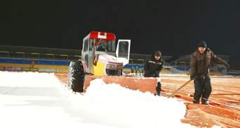 """В """"Александрии"""" обещают, что газон будет готов к матчу с """"Динамо"""" несмотря на снегопад"""
