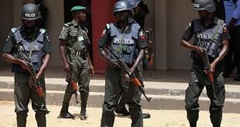 Полиция Нигерии убила десятки людей во время операции по подавлению преступности