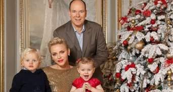Королевская семья Монако презентовала поздравительные открытки с Рождеством: трогательные фото
