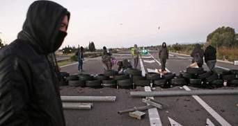В Барселоне снова начались массовые протесты сторонников независимости и столкновения с полицией