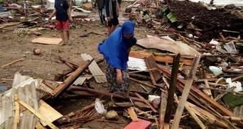 Кількість жертв цунамі в Індонезії стрімко збільшується: з'явилось відео моторошного удару води