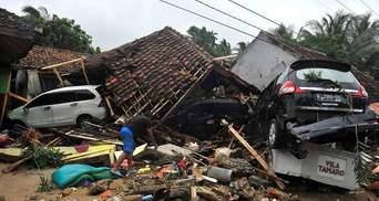 После ужасного цунами Индонезию всколыхнуло землетрясение: подробности