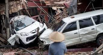 Количество погибших от цунами в Индонезии стремительно выросла