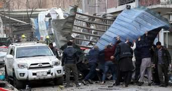 В Кабуле боевики напали на министерство и захватили заложников: есть десятки жертв