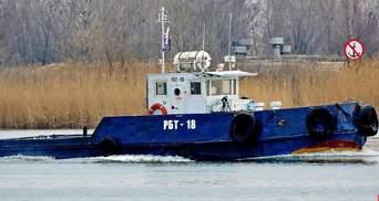 В порту оккупированной Керчи затонул российский буксир: известна причина
