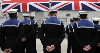 Британія перекинула військовий корабель на Ла-Манш, аби не допустити мігрантів до країни