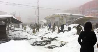 В оккупированной Макеевке обрушилась крыша торгового ряда, есть пострадавшие: фото и видео