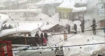 Обвал крыши на рынке в Макеевке: 4 человек госпитализировали