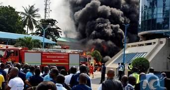 Взрыв бензовоза в Нигерии унес жизни как минимум 18 человек: жуткие фото и видео с места событий