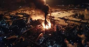 Масштабный пожар на химзаводе в Калуше: есть ли угроза для жителей города
