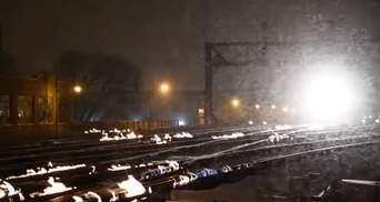 Из-за арктических холодов в США поджигают рельсы: видео