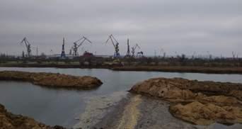 Новая угроза для оккупированного Крыма– токсичные отходы идут прямо в море: фото и видео