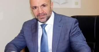 Мангера не мають права затримати, лише запросити до Печерського суду, – Луценко