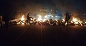 Палять шини та блокують магістралі: у Каталонії та Албанії тривають масові протести