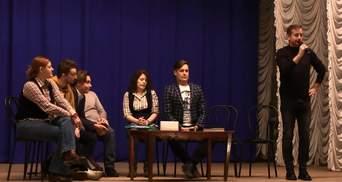 Культурний фронт: як українські письменники надихають молодь на Донбасі