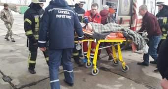 В Україні вперше евакуювали хвору дитину спецлітаком: відео