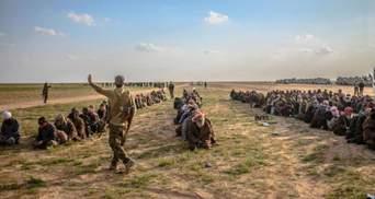"""У Сирії 500 бойовиків """"Ісламської держави"""" здалися в полон демократичним силам"""