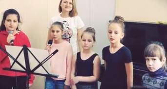 У Сімферополі діти зворушливо та по-сучасному виконали пісню за віршами Шевченка: відео