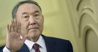 Назарбаев вроде встал с кресла президента, но далеко не ушел, – эксперт