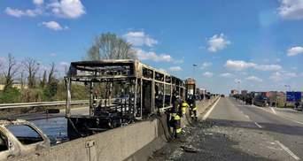 В Італії водій викрав та підпалив шкільний автобус із 51 дитиною всередині: моторошні подробиці