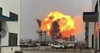 На химзаводе в Китае произошел мощный взрыв: есть погибшие – видео 18+