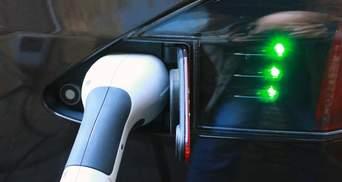 Нові парковки із зарядками для електрокарів: що передбачає закон