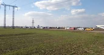 На Донбассе закрыли пропускной пункт из-за вражеского обстрела: есть раненый