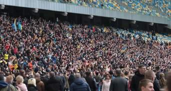 """Дебати Порошенка на """"Олімпійському"""": скільки людей відвідали захід"""