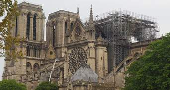 Пожар в Нотр-Даме: еще три элемента собора могут обвалиться