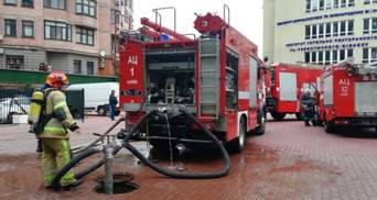 У приватному університеті Поплавського спалахнула пожежа: фото та відео