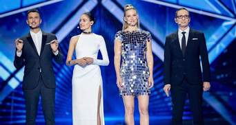 У білому максі та яскравому міні: ведучі Євробачення-2019 відкрили перший півфінал