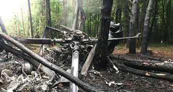 З'явилися фото з місця катастрофи вертольота на Рівненщині: аварію розслідує ДБР
