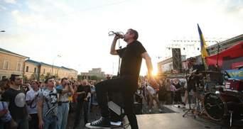 Жадан дав концерт у Харкові на підтримку волонтерського намету