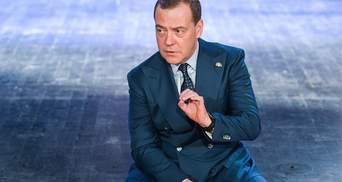 Медведев отреагировал на вывод Медведчука из переговоров